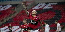 Com sintomas de covid-19, Pedro pode desfalcar Flamengo, que aguarda contraprova